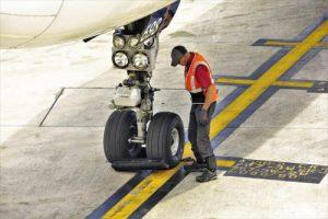 עובד נמל תעופה - אילוסטרציה